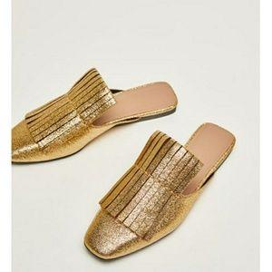 Size 7.5 zara gold slide